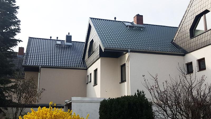 Stahldach mit Ziegelprofil