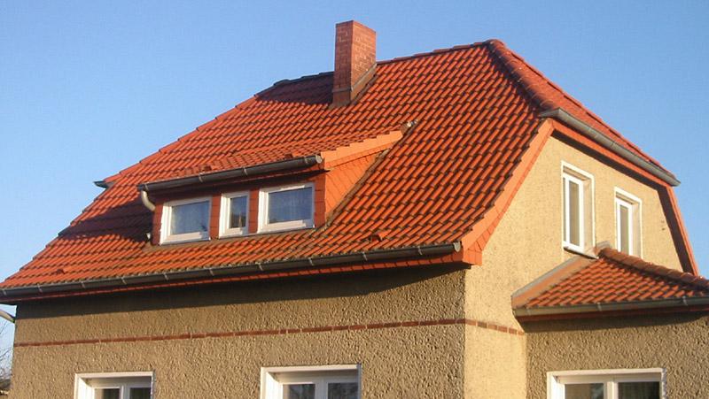 Steildächer mit Betonsteindeckung